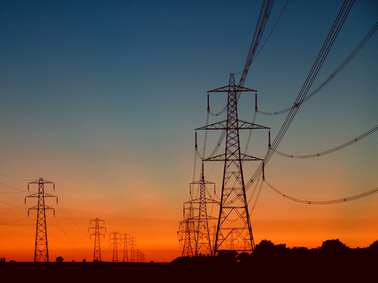 Photo of Poll: Most Believe U.S. Electric Grid Vulnerable to Enemy Attack