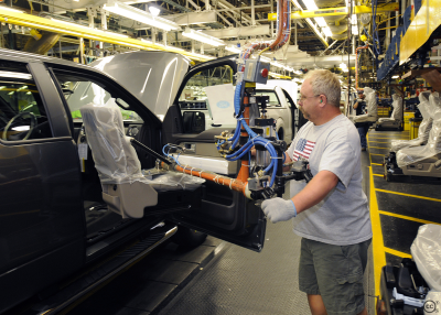 Photo of Report: Manufacturing sector continued expansion in April