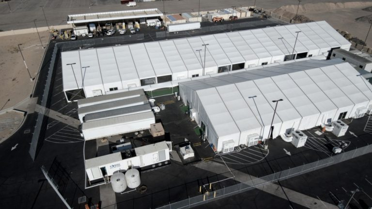 Photo of Feds to Open Temporary Facility Due to Large Volumes of Illegal Aliens in Yuma, AZ